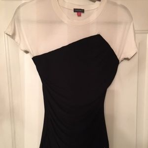 Vince Camuto Black & White Fitted Top P/S